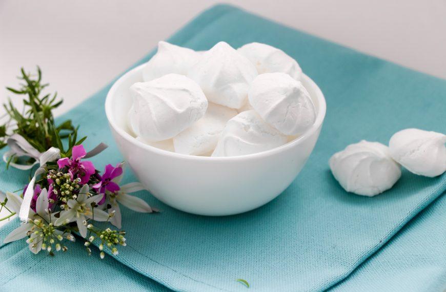 Aquafaba meringues vs egg white meringues